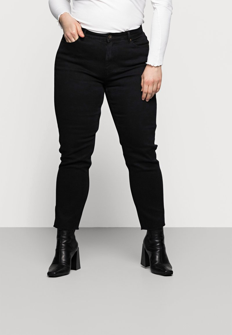 Pieces Curve - PCLUNA STRAIGHT - Straight leg jeans - black