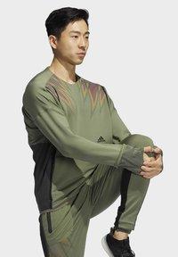 adidas Performance - PRIME COLD.RDY TOP CREW SWEATSHIRT - Sudadera - green - 3