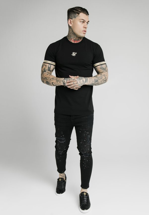 Illusive London Juniors T-shirt z nadrukiem - black/czarny Odzież Męska PGKU