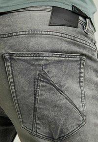 CHASIN' - Denim shorts - grey - 3