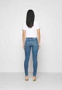 Guess - ULTIMATE SKINNY - Jeans Skinny Fit - soul sister - 2