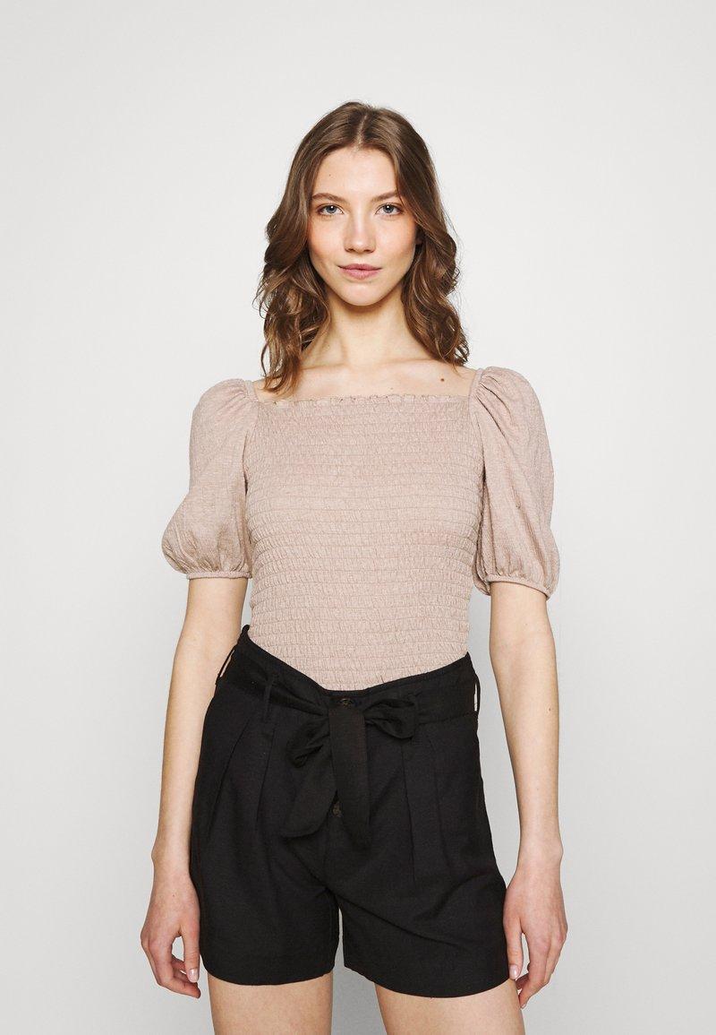 ONLY - ONLNALENA PUFF SMOCK - Print T-shirt - almondine