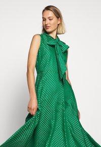 LK Bennett - DR CONNIE - Maxi šaty - emerald green/ivory - 3