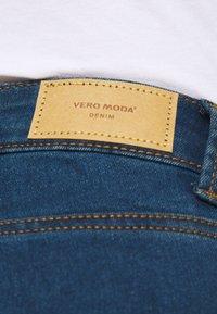 Vero Moda Petite - VMJUDY - Jeans Skinny Fit - medium blue denim - 3