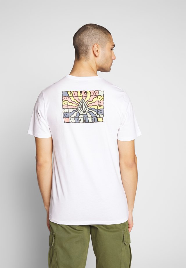 DAYBREAK - T-shirt imprimé - white