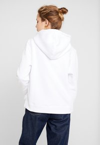 Tommy Hilfiger - HOODIE - Mikina skapucí - classic white - 2