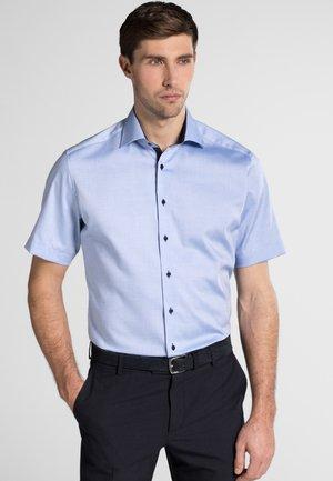 FITTED WAIST - Skjorte - blue