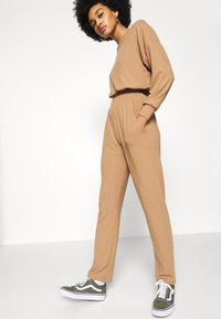 New Look - ELASTIC HEM SET - Sweatshirt - camel - 6