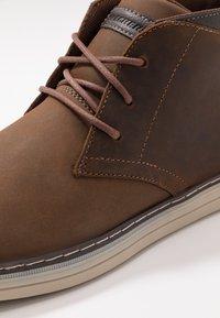 Skechers - HESTON - Sneaker high - dark brown - 5
