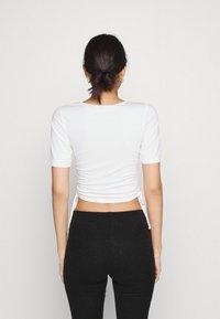 NA-KD - HOSS DRAWSTRING DETAIL - Basic T-shirt - white - 2
