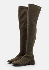 Jeffrey Campbell - PATRIK  - Kozačky nad kolena - khaki - 2