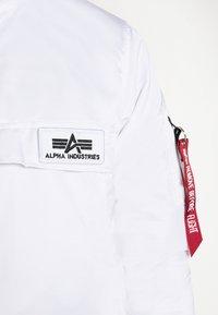 Alpha Industries - ANORAK - Kurtka przejściowa - white - 6