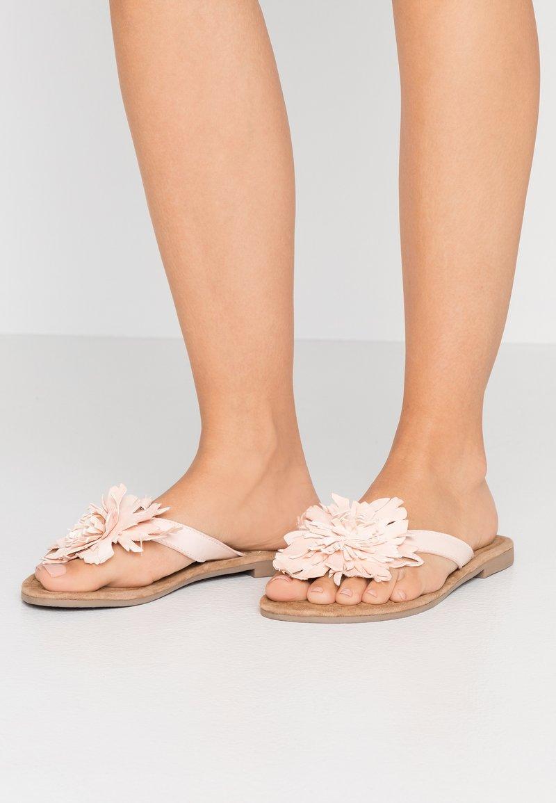 Lazamani - T-bar sandals - nude