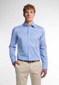 Eterna - SLIM FIT - Formal shirt - hellblau/weiß - 0