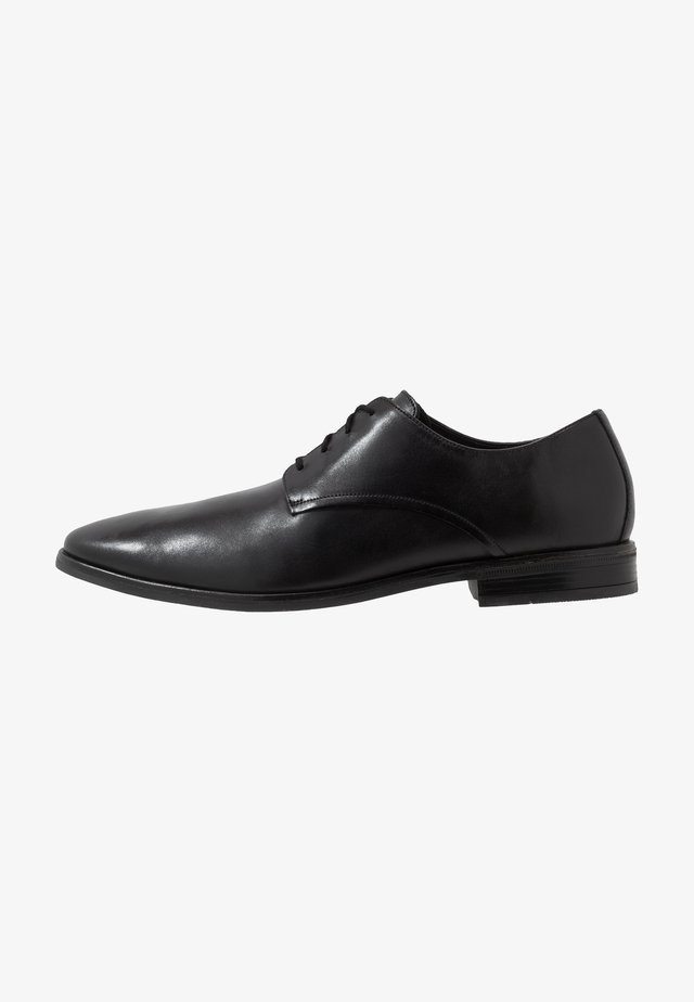 STANFORD WALK - Derbies & Richelieus - black