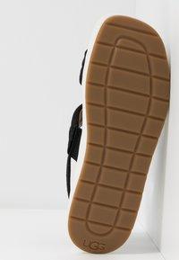 UGG - LYNNDEN - Platform sandals - black - 6