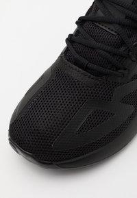 adidas Originals - ZX 2K UNISEX - Trainers - core black/shock pink - 5