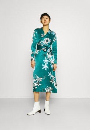 FLORAL WRAP DRESS - Korte jurk - green