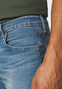 Levi's® - 512™ SLIM TAPER - Slim fit -farkut - med indigo - 4