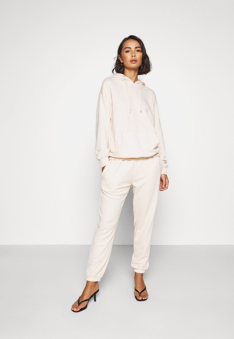 Missguided Petite - HOODIE AND JOGGER SET - Tracksuit - stone