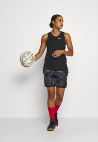 Nike Performance - NIKE DRI-FIT DAMEN-BASKETBALLSHORTS - Sports shorts - black/white - 1