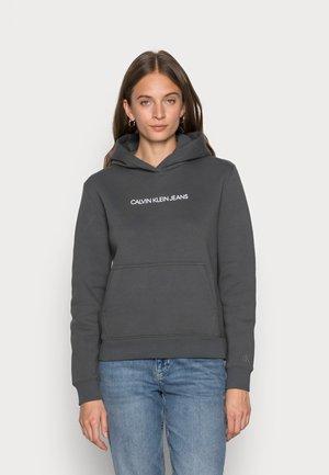SHRUNKEN INSTIT HOODIE - Sweatshirt - gray pinstripe