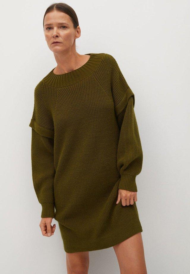 REGY - Strikket kjole - olivengrün