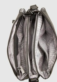 SURI FREY - ROMY BASIC - Across body bag - black - 4