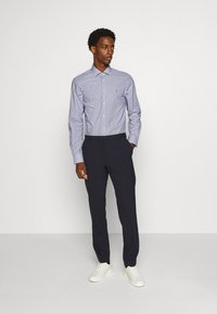 Tommy Hilfiger Tailored - STRIPE CLASSIC SLIM - Formal shirt - blue - 1