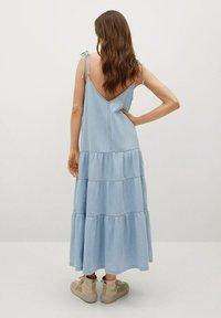 Mango - DALIA - Denimové šaty - halvblå - 1