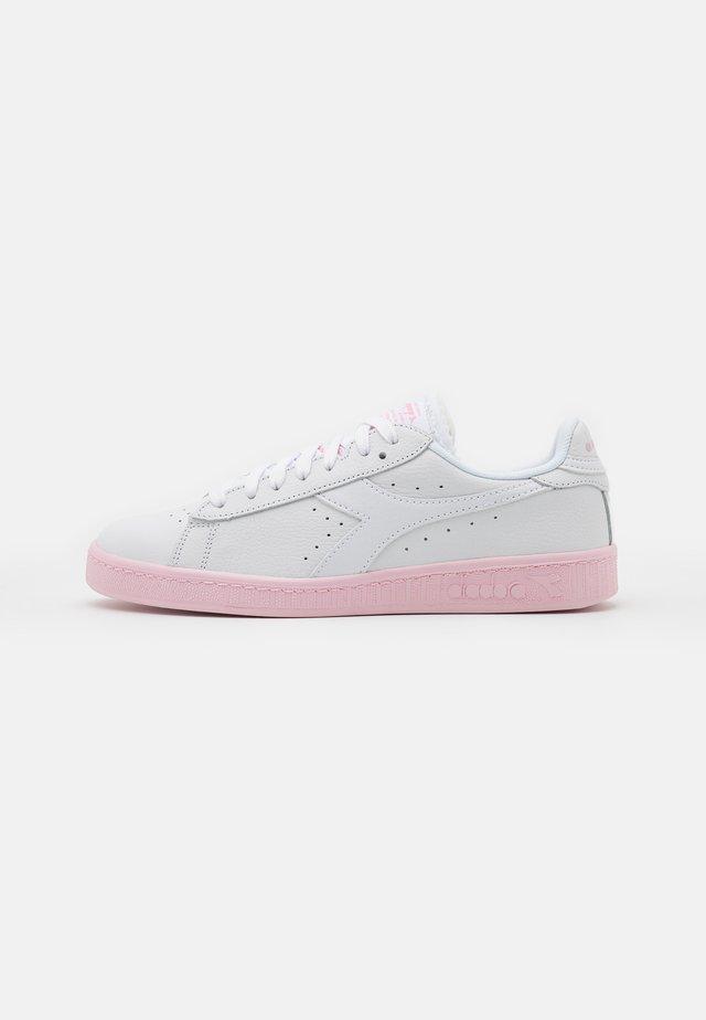 GAME SOLE BLOCK - Matalavartiset tennarit - super white/parfait pink