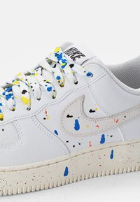 Nike Sportswear - AIR FORCE - Zapatillas - white/white-sail-white-black - 5