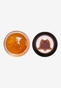 Revolution Skincare - REVOLUTION SKINCARE X JAKE JAMIE STICKY TOFFEE PUDDING LIP MASK - Lip scrub - - - 1