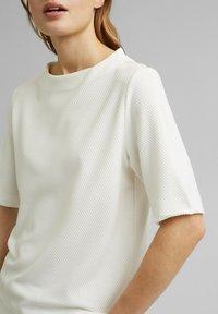 Esprit - FASHION  - Basic T-shirt - off white - 5