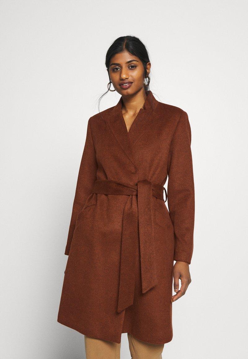 Selected Femme Petite - SLFMELLA  COAT - Classic coat - bordeaux