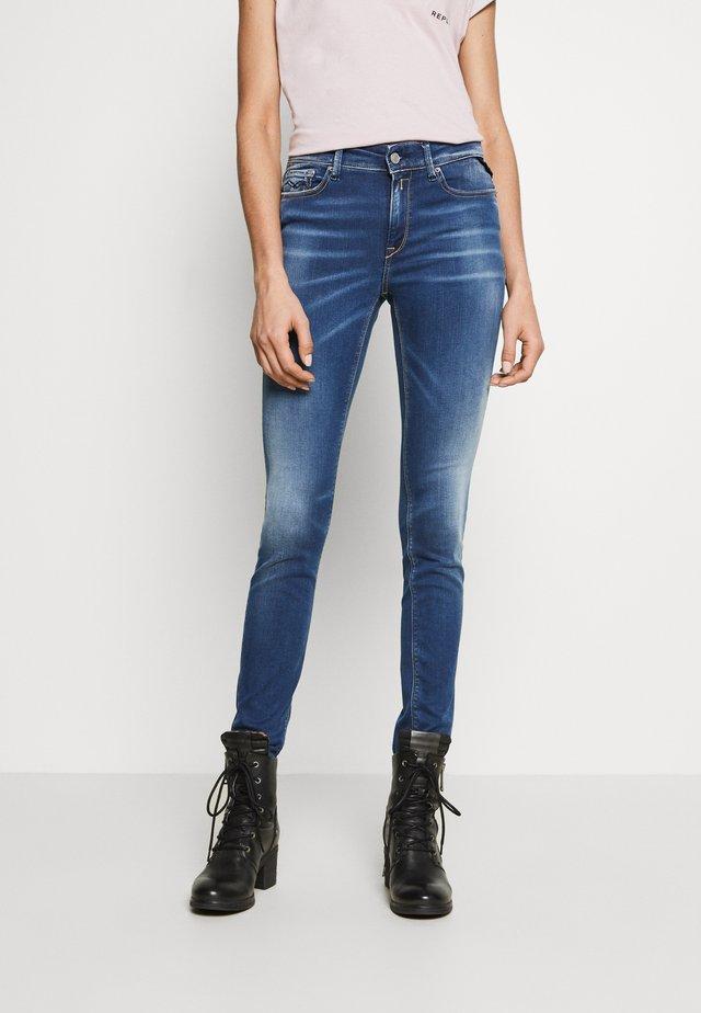 LUZIEN PANTS - Jeans Skinny - medium blue
