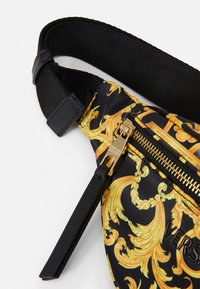 Versace Jeans Couture - SHELLY BELTBAG - Heuptas - black - 6
