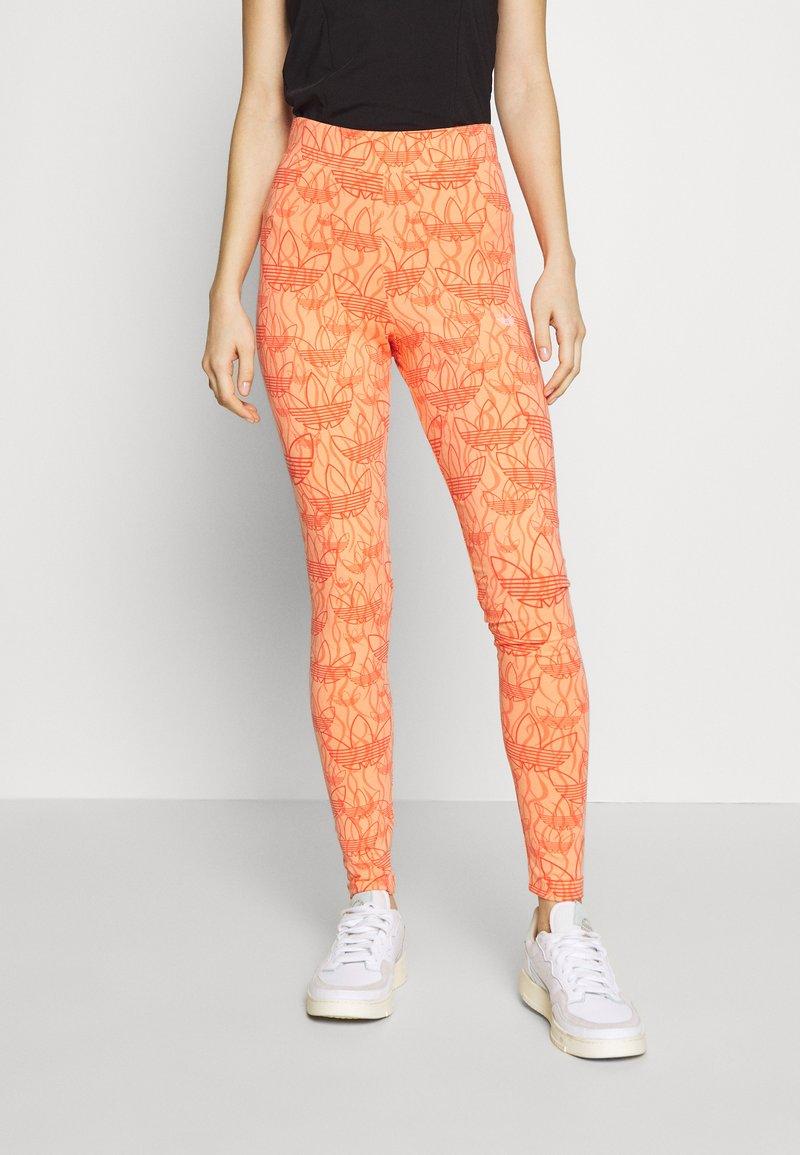 adidas Originals - TIGHT - Leggings - Trousers - chalk coral