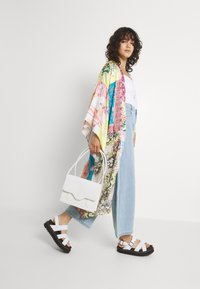 Free People - PATCHED WITH LOVE ROBE - Kevyt takki - magic combo - 3