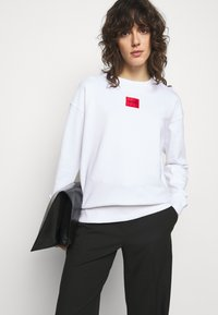 HUGO - NAKIRA - Sweatshirt - white - 3