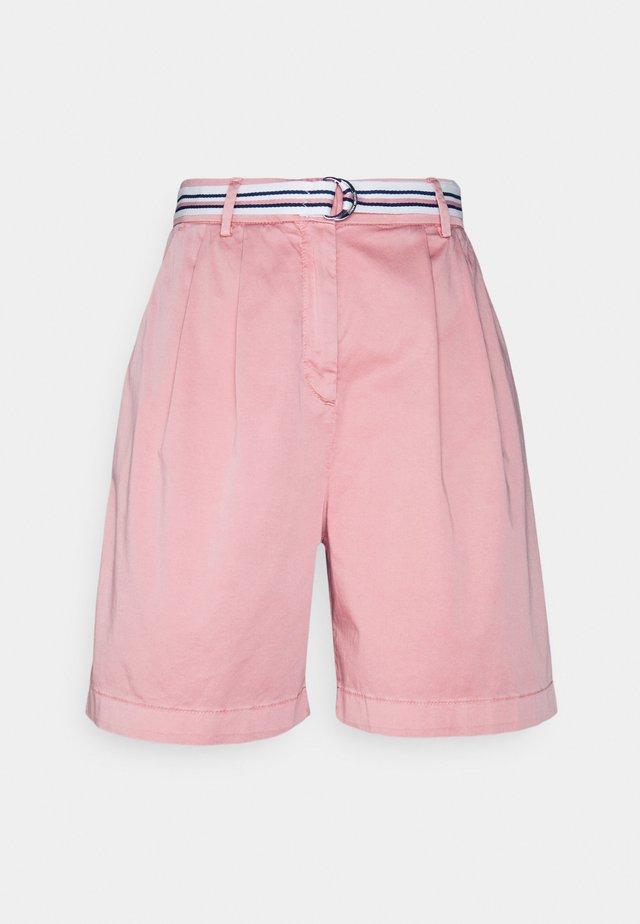 MODERN  - Short - soothing pink