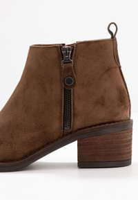 Alpe - NELLY - Ankle boots - arabica - 2