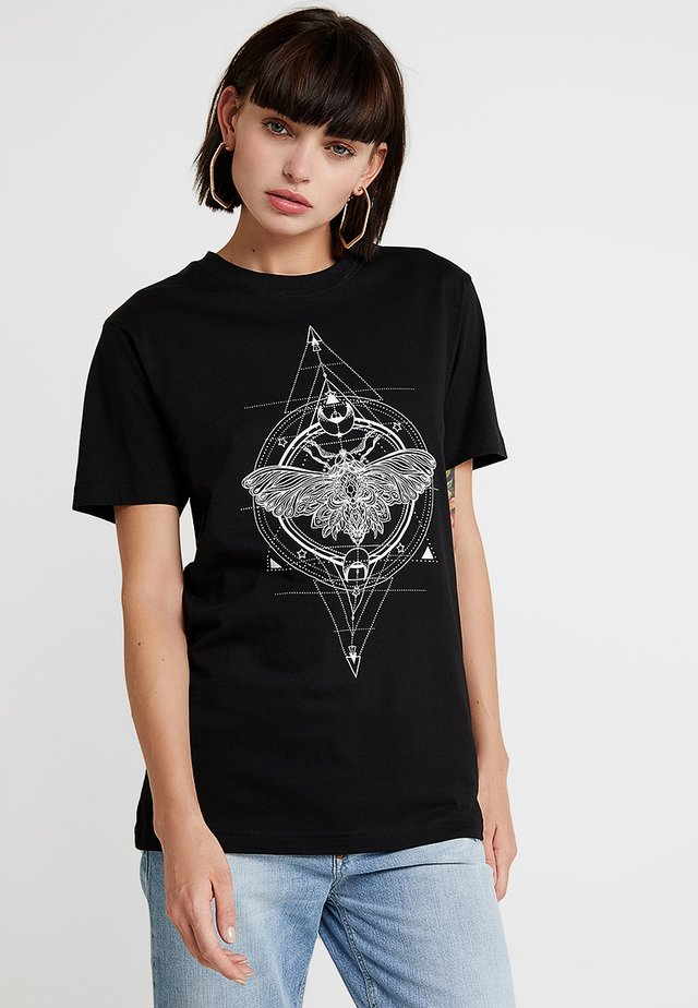 LADIES MOTH TEE - Print T-shirt - black