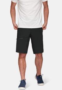 Mammut - LEDGE - kurze Sporthose - black - 0