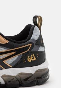 ASICS - GEL QUANTUM 180 - Scarpe running neutre - piedmont grey/black - 5