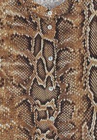 Mango - BEDRUCKTES SCHLANGENMUSTER - Button-down blouse - braun - 5
