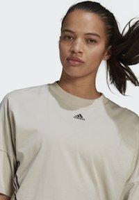 adidas Performance - CROPPED W PRIMEBLUE TRAINING T-SHIRT - Print T-shirt - grey - 3