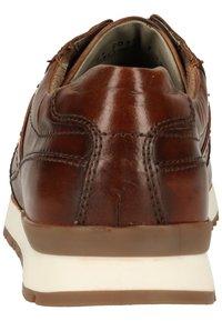 Fretz Men - Sneakersy niskie - cognac 37 - 5