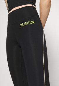 P.E Nation - MATCH PLAY LEGGINGS - Leggings - black - 6