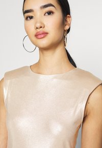 Miss Selfridge - SHOULDER PAD BODY - Top - champagne - 3